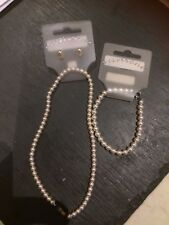 BNWT Women's Classic Simulated Pearl Necklace Bracelet And Earring Jewellery Set