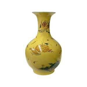 Chinese Crackle Yellow Porcelain Fruit Grasshopper Graphic Vase ws1648