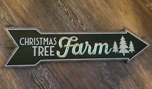 """NEW Wood & Metal Christmas Arrow Wall Yard Sign """" Christmas Tree Farm """" 23 x 6"""