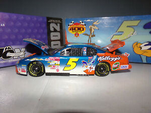 1/24 TERRY LABONTE #5 KELLOGG'S / LOONEY TUNES REMATCH  2002 ACTION NASCAR