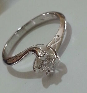 Solitaire Ring Valentino White Gold 18 Carats Diamond Natural - Hearts -