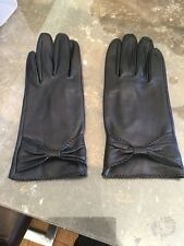 STYLISH LADIES UNBRANDED BLACK LEATHER BOW GLOVES / USED BARELY GREAT CONDITION