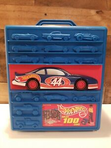 VINTAGE 1997 HOT WHEELS 100 CAR CARRYING CASE WITH WHEELS & TELESCOPING HANDLE