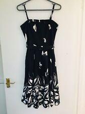 Noir & Blanc NEW LOOK robe à fleurs Taille 8 (2814)