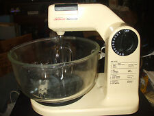 Sunbeam Mixmaster Stand Alone Mixer #01401 w/Glass Bowl & Beaters