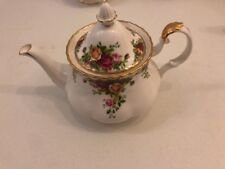 ROYAL ALBERT OLD COUNTRY ROSES  - TEA POT -1962  England