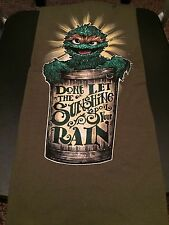 Teefury Men's MEDIUM T-Shirt Don't Let the Sunshine Spoil Your Rain Oscar Sesame