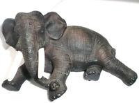 Alte Elefant, Naturgetreu  aus Kunststein liegend etwa 20 cm lang 10cm hoch