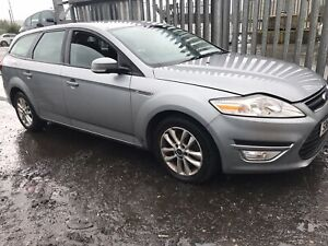 FORD MONDEO Estate 2012 DRIVER SIDE WIPER ARM **BREAKING FULL CAR**