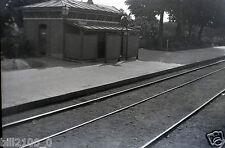 Nevers . ancien film négatif . intérieur de la gare