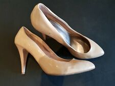 Zara size 5 (38) nude faux patent leather slim heel court shoes
