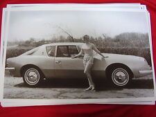 1963 STUDEBAKER AVANTI & MISS DOMINION   11 X 17   PHOTO   PICTURE
