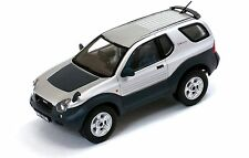Premium-X 1/43: prd420 Isuzu vehicross (1997), plata