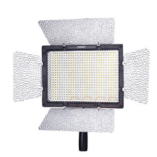 Yongnuo YN-600 LED Video Light 5500K for Canon 5DIII 70D Nikon D7000 D7100 D3300