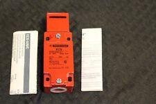 New Telemecanique XCS-A703 Safety Interlock Switch 071888