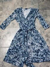 Navy blue tan floral  stretch BANANA REPUBLIC 3/4 sleeve wrap dress Small
