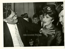 ORIG. stampa PHOTO, Gina Lollobrigida, medaglie, Sept. 1961