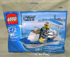 CITY POLICEMAN & POLICE BOAT in Factory Sealed Polybag Lego 30002 Sealed