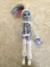 """Monster High 11"""" Doll ABBEY BOMINABLE ABBY SNOW SIGNATURE FIRST WAVE 1 Pet Lot"""