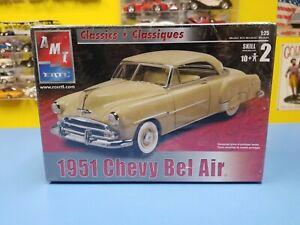 AMT 30264 1951 CHEVY FLEETLINE Millennium 1//25 Model Car Mountain KIT FS