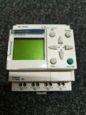 ZELIO SR1 B101FU Schneider Electric Intelligent logic relais + Panel Mount