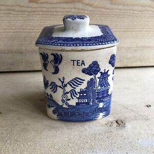 Vintage Blue Willow Tea Canister with Lid Container Retro Collectible Unmarked