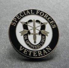 US ARMY SPECIAL FORCES VETERAN DE OPPRESSO LIBER VET LAPEL PIN BADGE 1 INCH