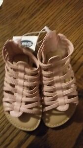 Toddler Girl's Old Navy Sandals Size 6 NWT