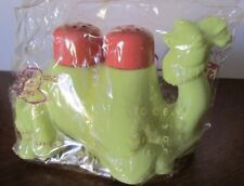 New Package Vintage Styron Plastic Camel Two Humps Salt & Pepper Shakers Caddy