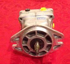New Toro Dingo RH Hydraulic Pump Asm. 106-5706