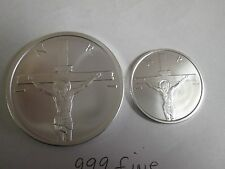 2 1/2  oz .999 fine silver 2015 Crucifixion Jesus Christ on the cross