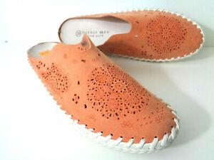 BERNIE MEV TW168 39 / 8M 8.5M Coral Leather Mule Flats Shoes with Laser Cutout