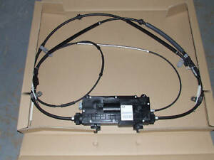 Discovery 3 & Range Rover Sport hand brake cable. (LR019223)