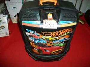 BRAND NEW COLLECTIBLE HOT WHEELS 100 CAR CARRYING ROLLING CASE W/ EXTEND HANDLE