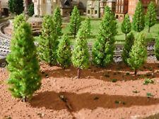 100 mittelgrüne Tannen, Nadelbäume, je 50 Stück 48 und 68 mm - versandkostenfrei