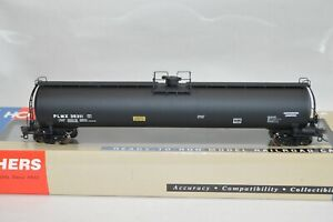 HO scale Walthers PLMX International Anhydrous Ammonia 33k gallon tank car train