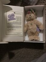 "Annette Funicello bear ""Envy""  #'d 1646/5000  New In box"