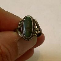 Vintage Southwestern Sterling Silver with Green Colored Opaque Stone Inset Ring