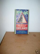 12. Vintage Box Christmas National Garlands Tree Cut-Ou