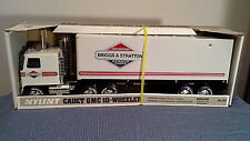 NYLINT VINTAGE BRIGGS AND STRATTON  CADET GMC 18 WHEELER NIB 1:24 SCALE