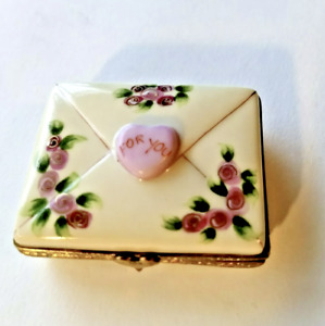 NIB Authentic Limoges Box Signed Rochard Valentine Candy Hearts Be Mine CUTE!