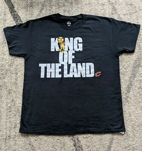 2016 NBA World Champion Cleveland Cavaliers King Of The Land Tshirt Sz Large