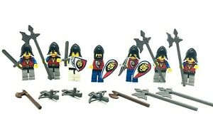 LEGO LOT OF 7 VINTAGE CASTLE MINIFIGURES CASTLE KNIGHT FIGS with EXTRA WEAPONS