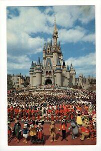 Postcard Disney World Cast of Thousands Mickey Mouse Cinderella Castle. Q