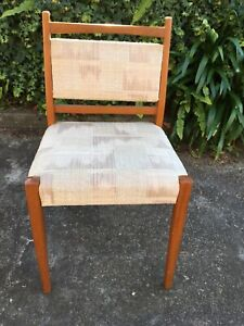 SET OF 6 MATCHING RETRO PARKER / EAMES STYLE DINING CHAIRS
