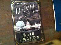 x-40 ERIK LARSON  DEVIL IN THE WHITE CITY