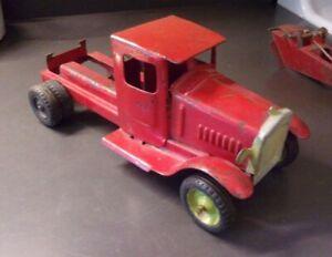 Vintage Metalcraft Pressed Steel Stake or Tow Truck