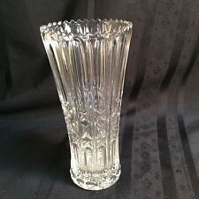 """Vintage 8"""" crystal glass flower vase with scalloped edging       (ZZ  S 3)"""
