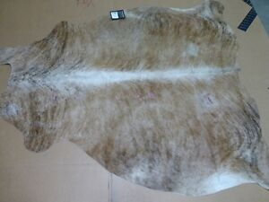 Safavieh Gaucho Cow Hide Collection COH211C-5 Handpicked Argentinian Cowhide Bri
