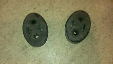 SET OF TWO USED EXHAUST RUBBER HANGERS FOR A 2000 JAGUAR S-TYPE (M)